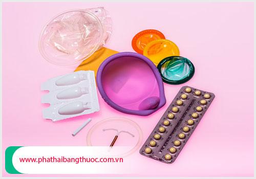 Thực hiện kế hoạch hóa gia đình bằng các phương pháp tránh thai