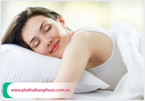 Nghỉ ngơi điều độ và suy nghĩ tích cực để sức khỏe nhanh phục hồi